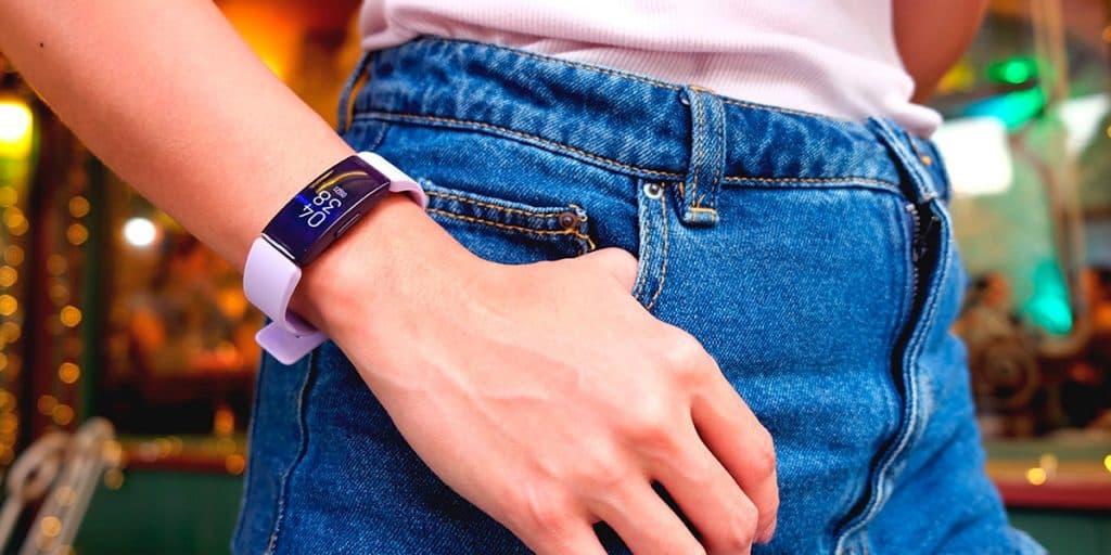 Fitbit-Inspire-HR-Heart