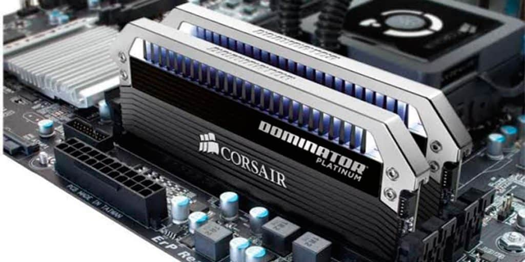 Corsair-Dominator-Platinum-Series-C15