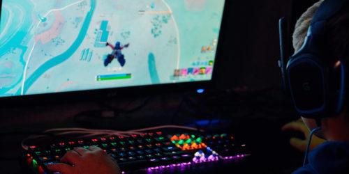 Os 7 Melhores Teclados Gamer RGB em 2020