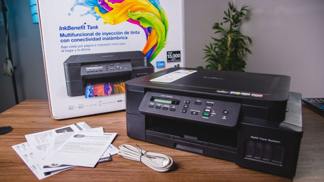 O que vem na caixa da impressora Brother DCT-T520W